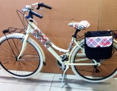 Via Veneto Bicicletta Passeggio uomo e donna